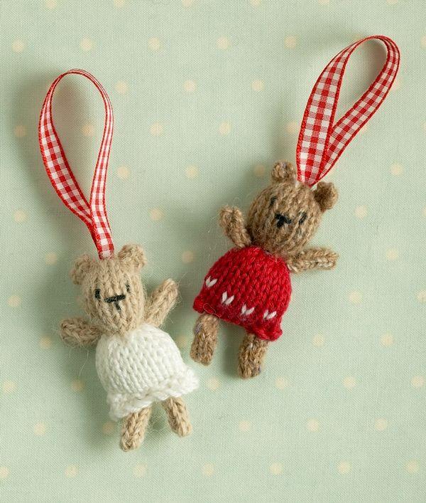 Free knitting patterns: Christmas tree bears