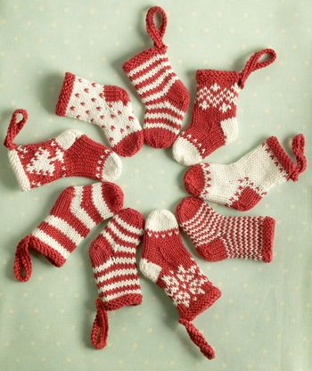 knit socks stockings christmas yule channukah kwanza baby shower free pattern