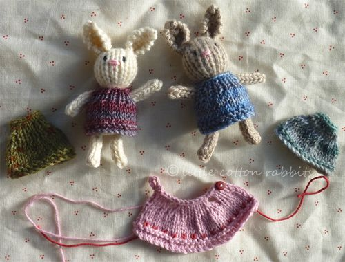 Knitting Patterns For Miniature Animals : Free knitting patterns: itty bitty dress