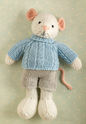 Mouse in a cabled sweater