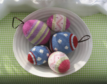 Quilled paper Easter eggs - Quilling Crafts - Zimbio