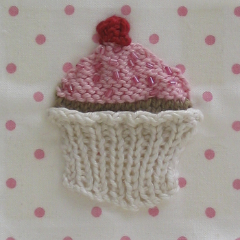 knitted cupcake decoration
