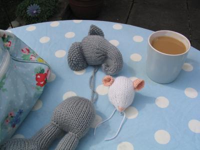 Garden_knitting